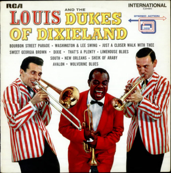 louis front LOUIS AND THE DUKES OF DIXIELAND    Louis Armstrong (002)